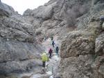 Драбини та поручні в каньйоні річки