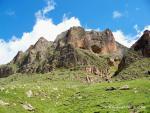 Гора Уллу-Кая с пещерой