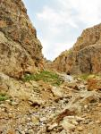 Выход из каньона на спуске с пер. Казнок Зап.