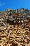 Іржаві гори. Спуск з перевалу Карабулак