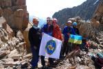 Группа на перевал Разведочный Лож (в сторону спуска к р. Каиндыорду)
