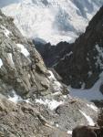 Спусковой кулуар (ведет на плато л. Кундюм-Мижирги перед пер. Кундюм-Мижирги)